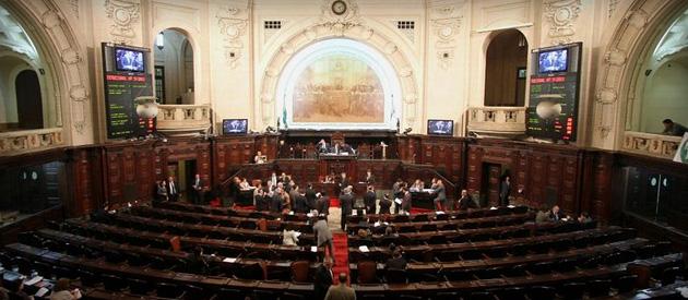 Falta de quórum prejudica votação de emenda de Luiz Paulo