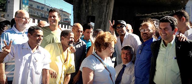 Otavio Leite faz ato na Praça XV no primeiro dia de campanha