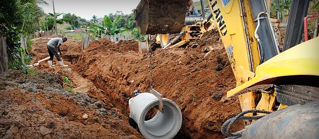Luiz Paulo questiona se investimento em saneamento na Região dos Lagos afetará tarifas