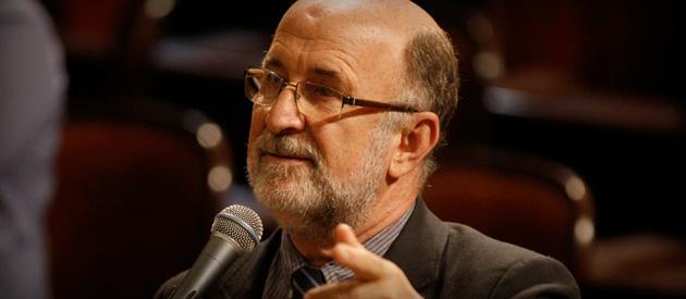 Luiz Paulo critica empréstimo e submissão do parlamento