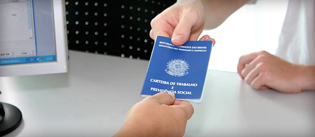 Luiz Paulo vota contra repasse de trabalhadores do SINE para OS