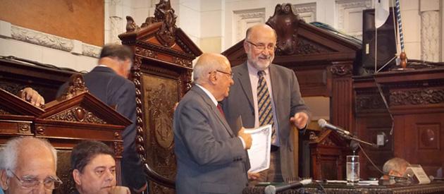 Luiz Paulo participa de homenagem a deputados e vereadores cassados pela Ditatura