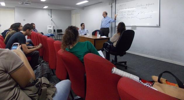 Deputado Luiz Paulo conversa com estudantes da UNIRIO