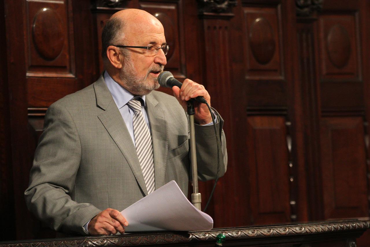 Luiz Paulo critica congelamento do piso salarial proposto pelo governador Wilson Witzel